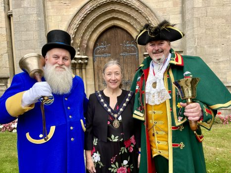 Town Crier John Spencer-Barnes, Councillor Linda Edwards-Shea, the Deputy Mayor of Sleaford and John Griffiths, the Sleaford Town Crier.